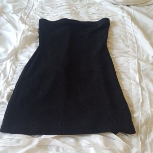 Medium black strapless dress